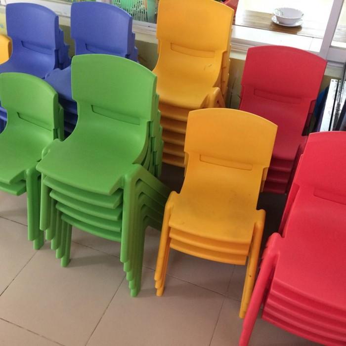 Chú ý: bàn ghế mầm non giá rẻ đã có đầy đủ trong kho1
