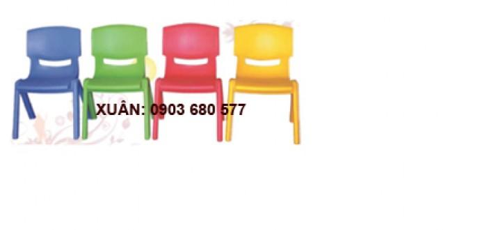 Chú ý: bàn ghế mầm non giá rẻ đã có đầy đủ trong kho8
