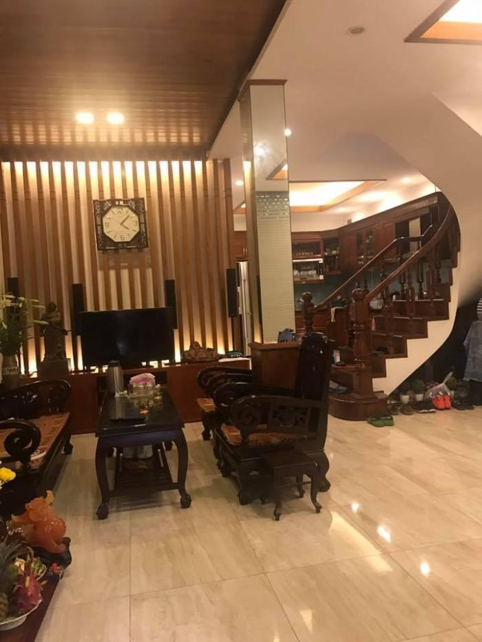 Bán gấp Biệt thự Kim Ngưu, quận Hai Bà trưng, ô tô, DT 71M2, MT 7m, giá chỉ 6.4 tỷ.