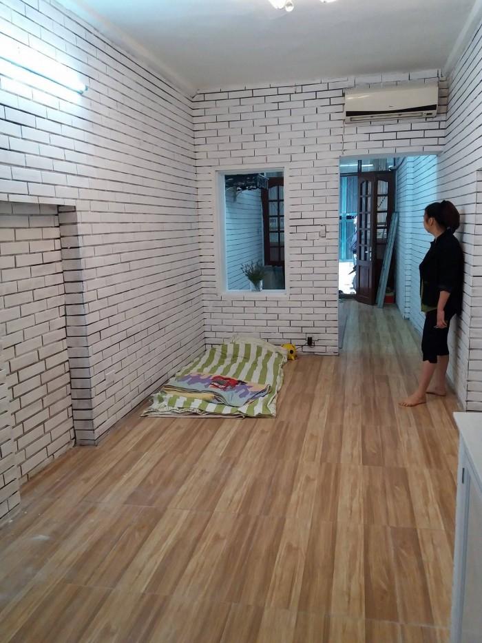Cần bán nhà tập thể tầng 1 Hồng Mai, Bạch Mai, Hai Bà Trưng, diện tích 30m2 sổ đỏ chính chủ, giá 1 tỷ