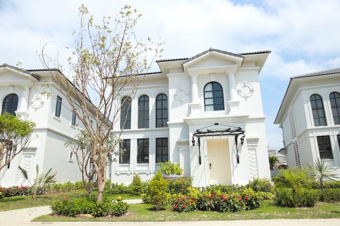 Tôi cần chuyển nhượng Biệt thự Nha Trang, Suất đầu tư 5.2 tỷ,đang cho thuê 168tr/tháng.DT 420m2