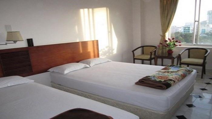 Bán Khách Sạn 2 sao MT gần Trần Quang Khải Quận Hầm 8 lầu cực đẹp