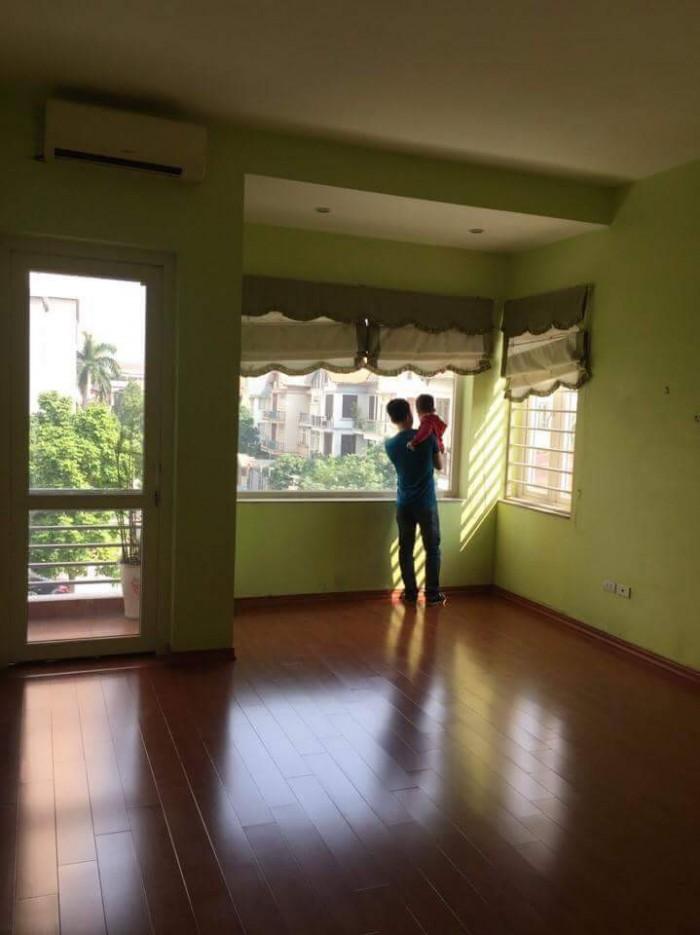 Bán gấp nhà phân lô Nguyễn Trãi, dt 82m2, 4 tầng, lô góc, đường hè 8m, giá 8.2 tỷ