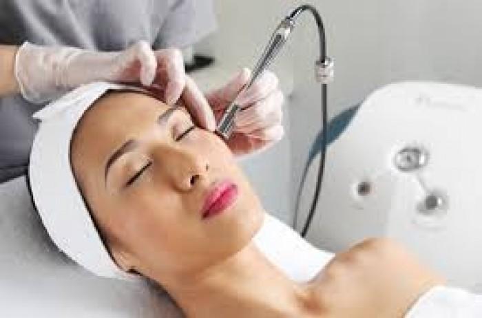 Tắm Trắng Mặt  99K ( Chạy Vitamin  C ) Bùn Non Khoáng kết hợp Massage Đầu + Vai + Cổ