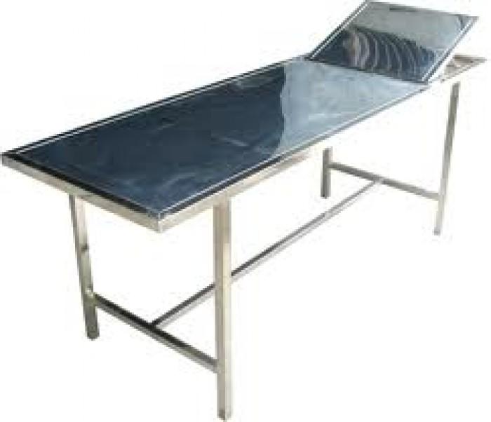 - Tên sản phẩm : giường khám bệnh  Vật liệu bằng Inox  nhập ngoại –  Kích thước:D x R x C (1700 x 600 x 700) mm –  Inox khung bao vuông  25 mm. Có 2 thanh giằng ngang  Φ 32 mm , Có nâng đầu.