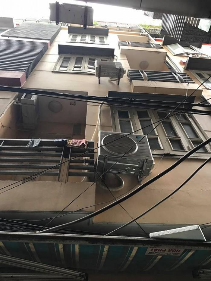 Bán Gấp nhà đẹp Hào Nam 35m2 x 4 tầng, giá 3.28 tỷ.