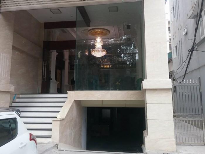 Chính chủ bán gấp lô đất Mặt phố Trần Quốc Hoàn, dt 120m2, MT khủng 8m, giá hấp dẫn