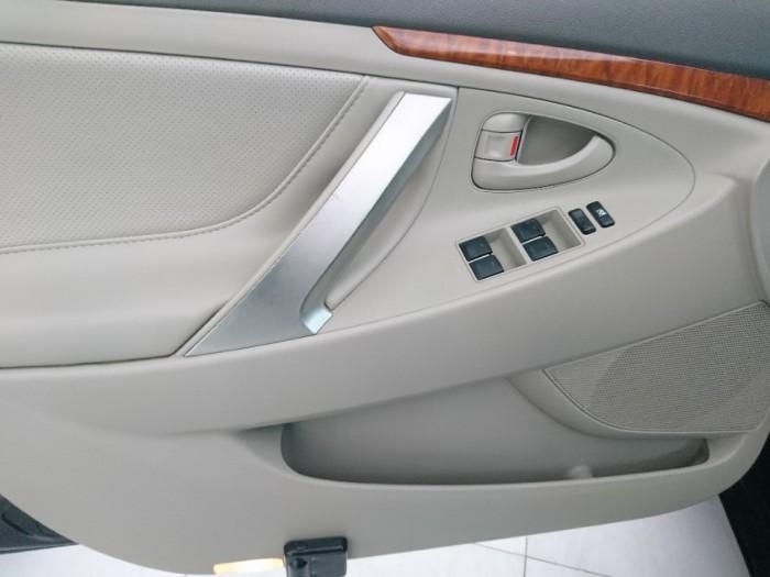Toyota Camry 2.4G 2010 màu đen 3
