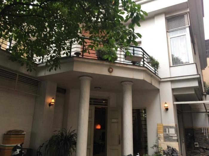 Bán biệt thự phố Đào Tấn 106m, 4 tầng đang cho thuê rất lộc 3.000$/tháng.
