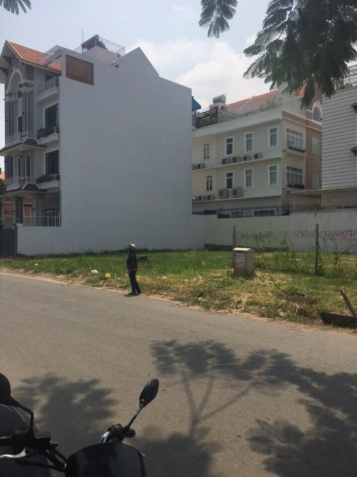 Bán gấp đất MT đường số 6 khu Him Lam Quận 7 - 85tr/m2