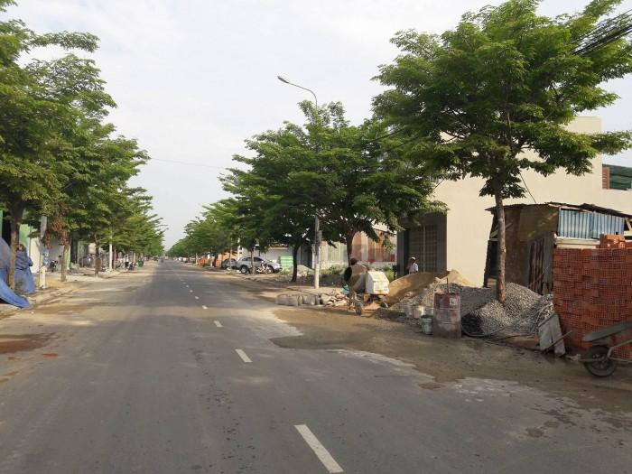 Lô đất trung tâm thành phố đường 10.5m giá chỉ có 10.2tr/m2