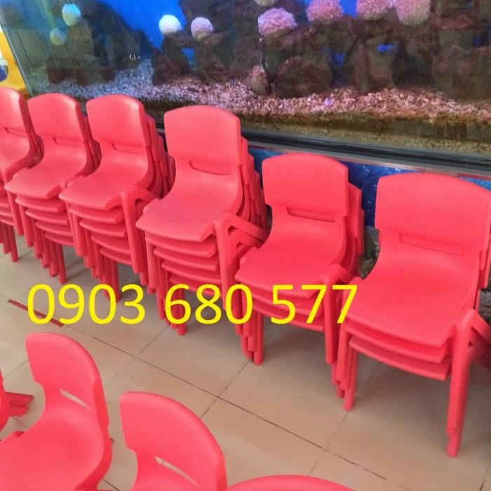 Bàn ghế nhựa đúc giá rẻ, chất lượng cao4