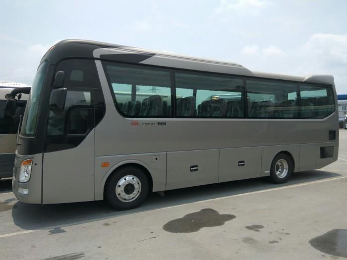 Xe khách UNIVERSE Mini 29/34 chỗ Bầu hơi - nhập khẩu 2018