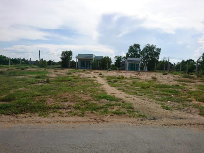 A Bình nợ Tiền Cần bán gấp Đất ở Bình Chánh 2000m2 mặt tiền Hóc Hữu