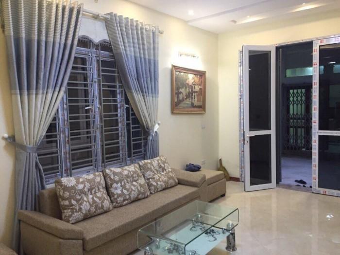 Nhà Nguyễn Phúc Lai, Full nội thất, gần Hồ Hoàng Cầu, 36m2x5T giá 3,29 tỷ