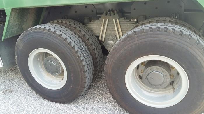 Xe tải ben 4 chân Howo động cơ 371 HP giá ưu đãi cực lớn 9