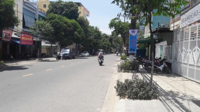 Bán đất (có nhà kho trên đất) DT 295m2 đường Núi Thành, Hải Châu, Đà Nẵng.