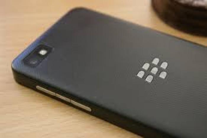 Bán Blackberry Z10 màu đen2