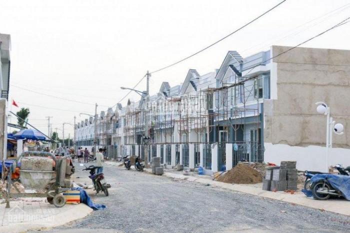 Bán nhà Hóc Môn mặt tiền đường, DT: 5x18, SHR