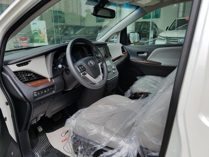 Toyota Sienna Limited AWD Mỹ
