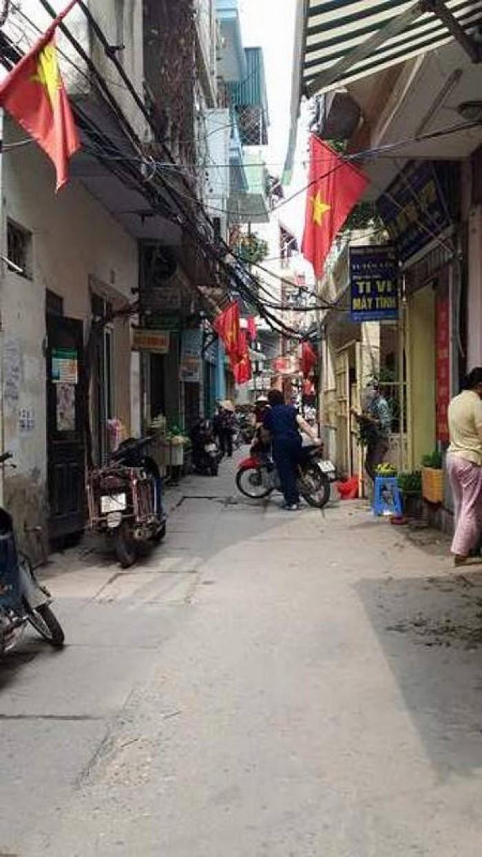 Nhà cực hiếm, 1.35 tỷ Phố Ngọc Hà, Ba Đình, ngõ nông, thẳng, rộng.