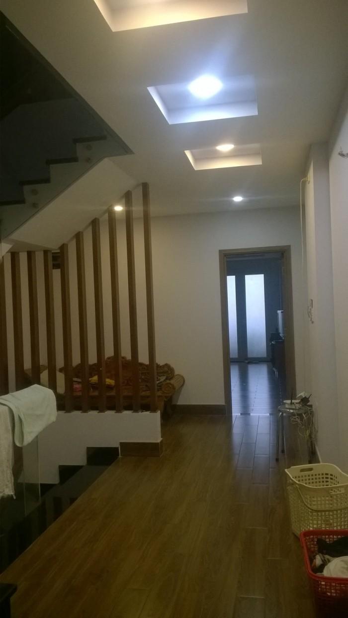 Cho thuê nhà MT Nguyễn Văn Nghi, cạnh trường ĐHCN, 3 lầu mới