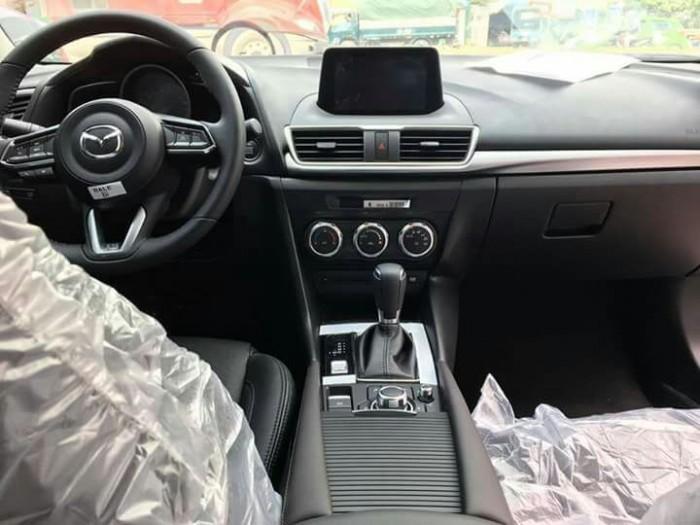 Mazda 3 Facelift 2018 Giá ưu đãi trong tháng 5