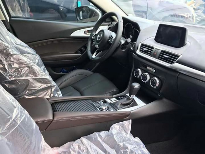 Mazda 3 Facelift 2018 Giá ưu đãi trong tháng 7