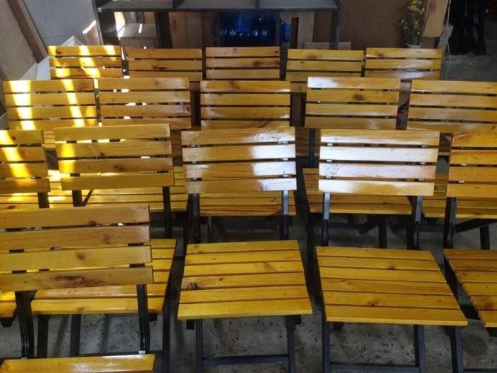Thanh lý bàn ghế quán nhậu gỗ thông pallet giá rẻ2