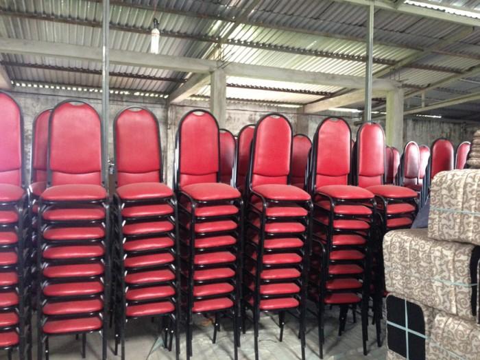 Thanh lý ghế nhà hàng tiệc cưới số lượng lớn giá rẻ1