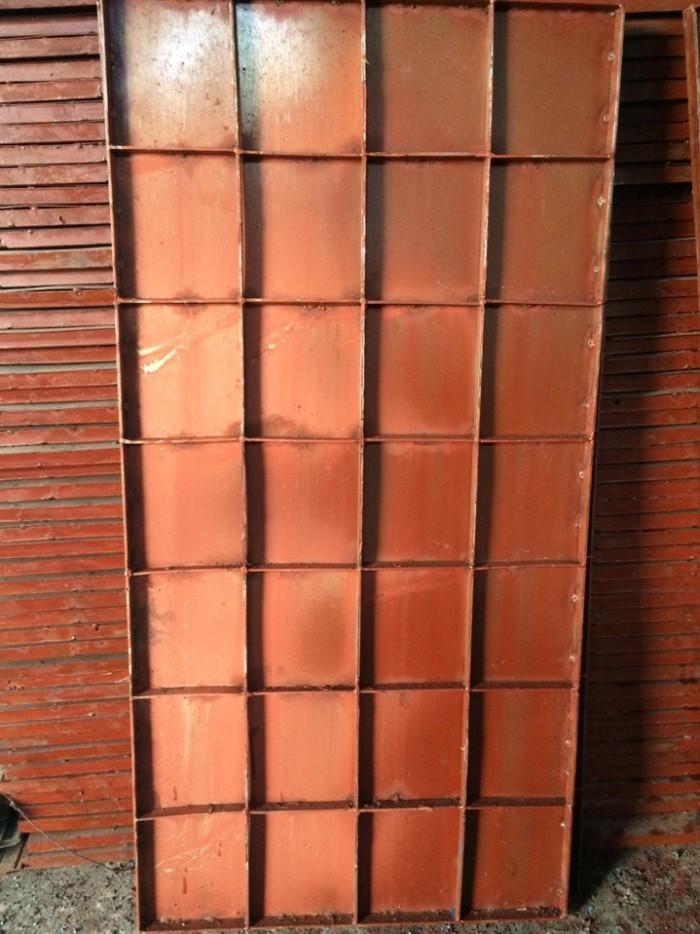 Cốp pha thép chuyên đỗ sàn trong công tr0