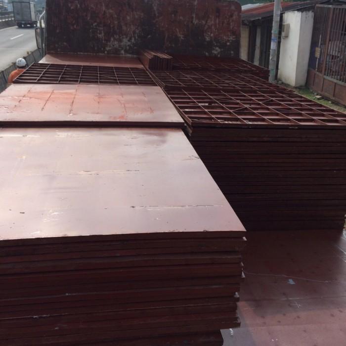 Cốp pha thép chuyên đỗ sàn trong công tr1
