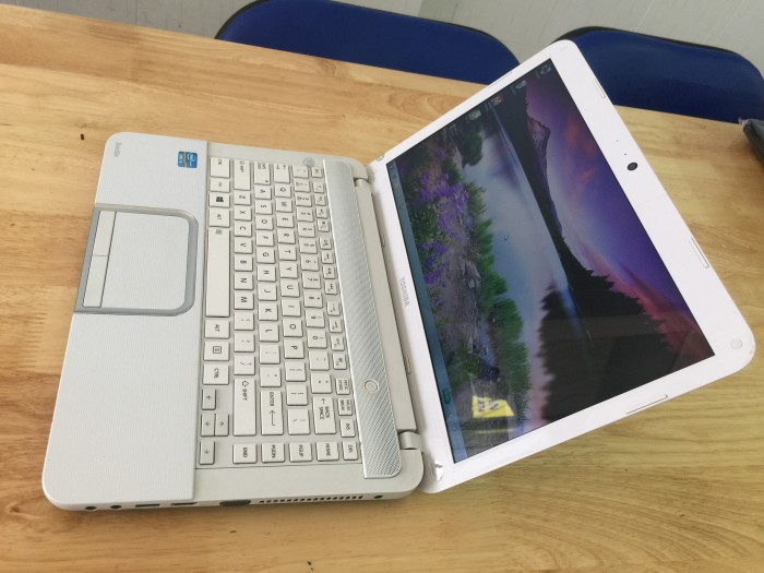 Laptop Toshiba L840 , i3 G, 500G, Đẹp zin 100%