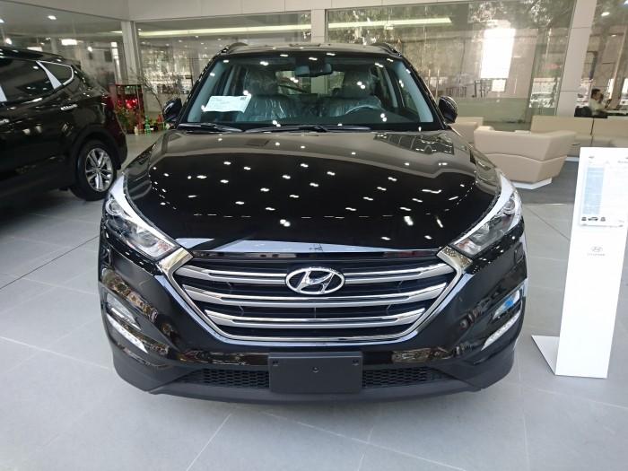 Hyundai Tucson sản xuất 2017 màu đen xe nhập khẩu, hỗ trợ trả góp lên đến 85%