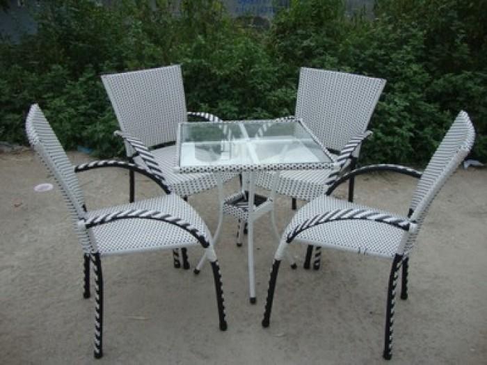 Chuyên sản xuất bàn ghế cafe ô dù giá rẻ4