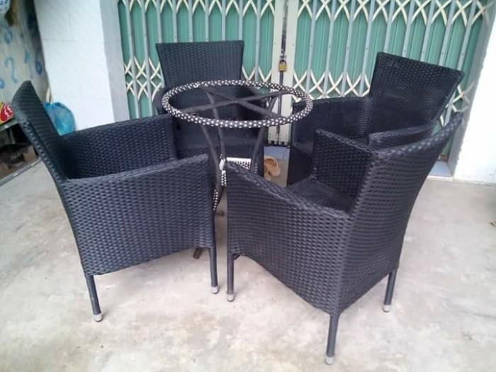 Cần thanh lý gấp bàn ghế tồn khô giá rẻ1