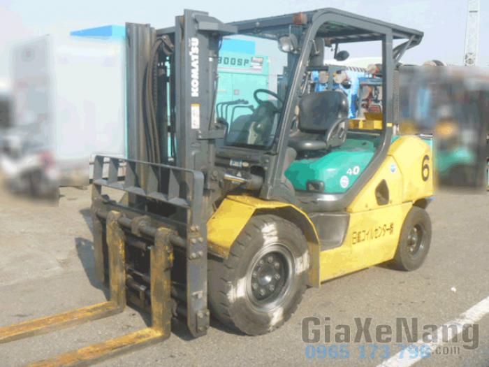 Xe nâng dầu komatsu FD40T-10 2009, Xe nâng dâu 4 tấn chiều cao nâng 3 mét