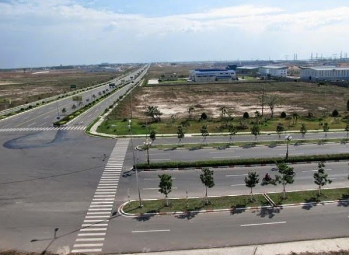 Bán đất 32m mặt tiền đường Song Hành Q2 SHR 100m2 giá 11tr/m2