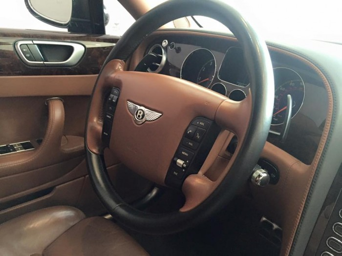 Bentley Continenltal Flying Spur 13