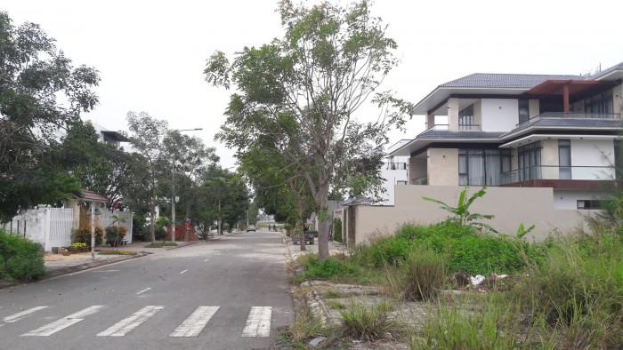 Cần chuyển nhượng lại quyền sử dụng đất, lô phía Nam Đà Nẵng, Biệt thự ven sông Cổ Cò.