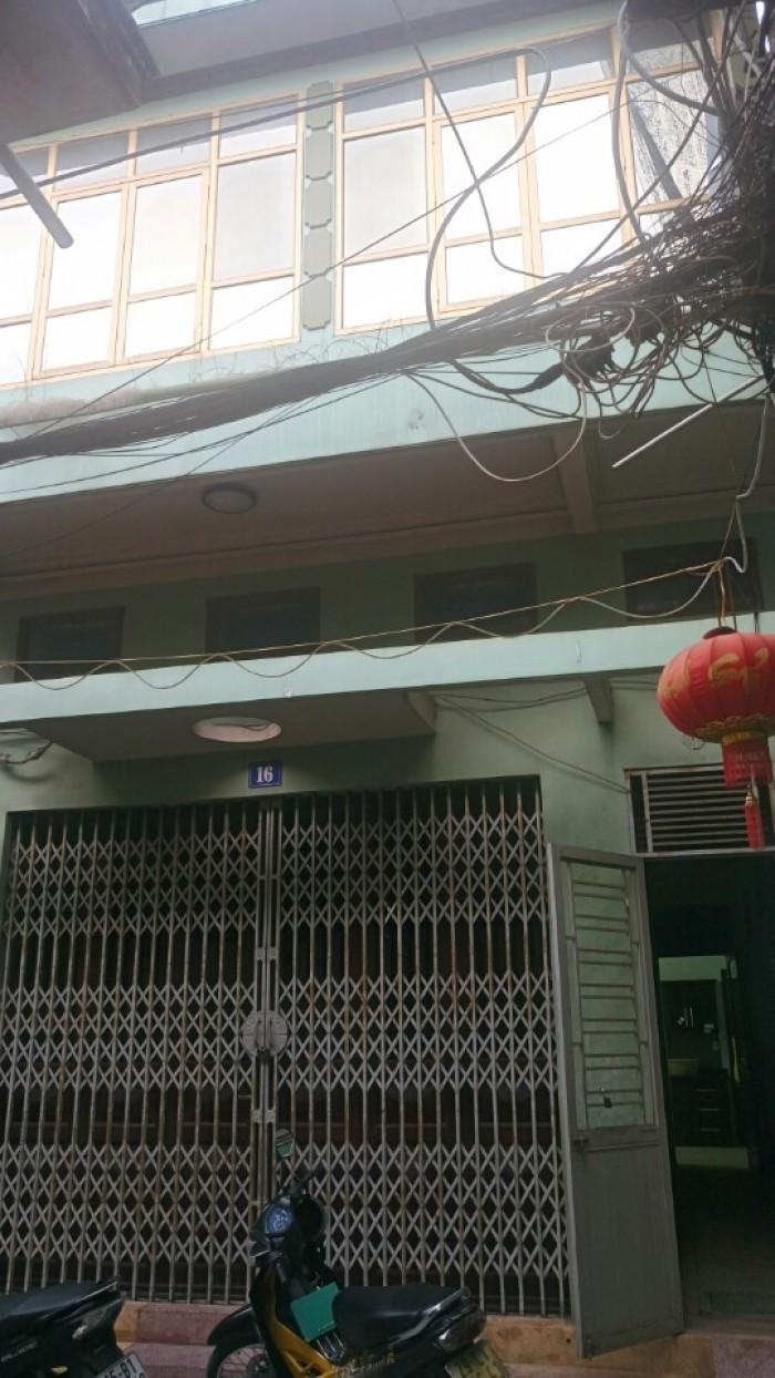 Bán nhà 2 tầng đường Chùa Hàng, dt 75m2, hướng tây bắc, giá 1.8 tỷ