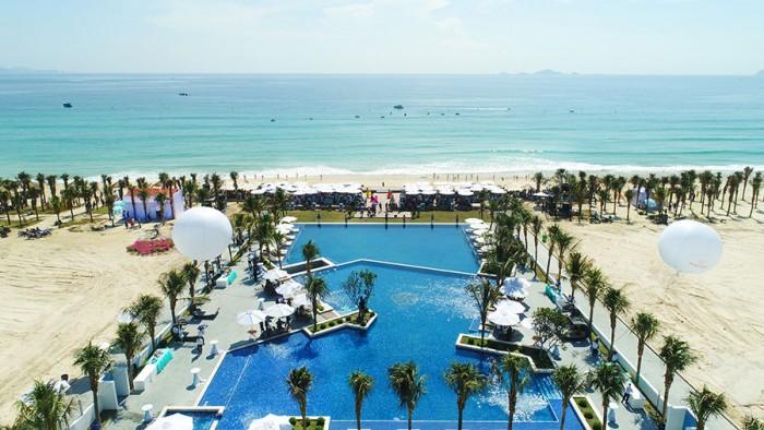 Bán biệt thự biển nghỉ dưỡng cao cấp tại Bãi dài vịnh Cam Ranh ,400M2.