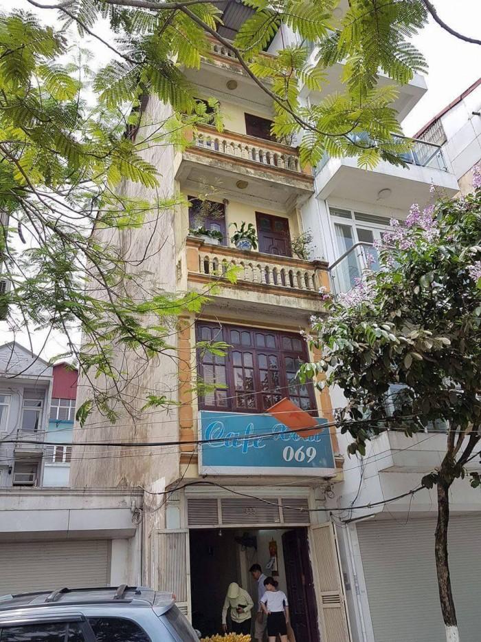 Bán nhà ở phố Lạc Long Quân, Tây Hồ