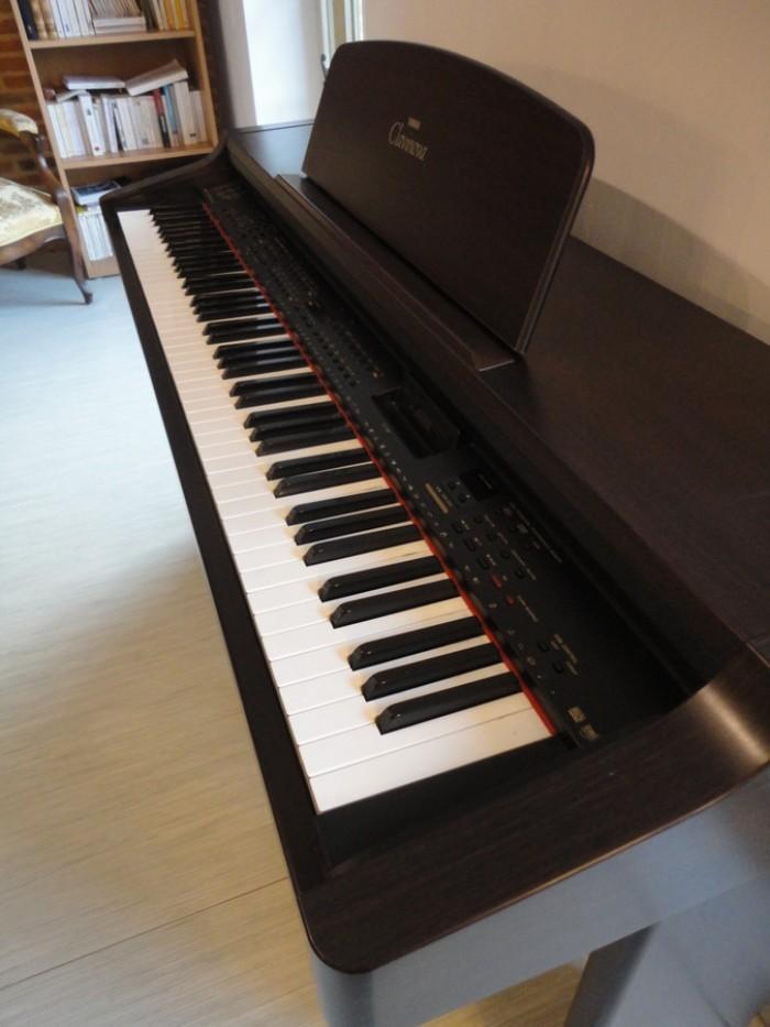 Đàn Piano điện Yamaha CVP 833