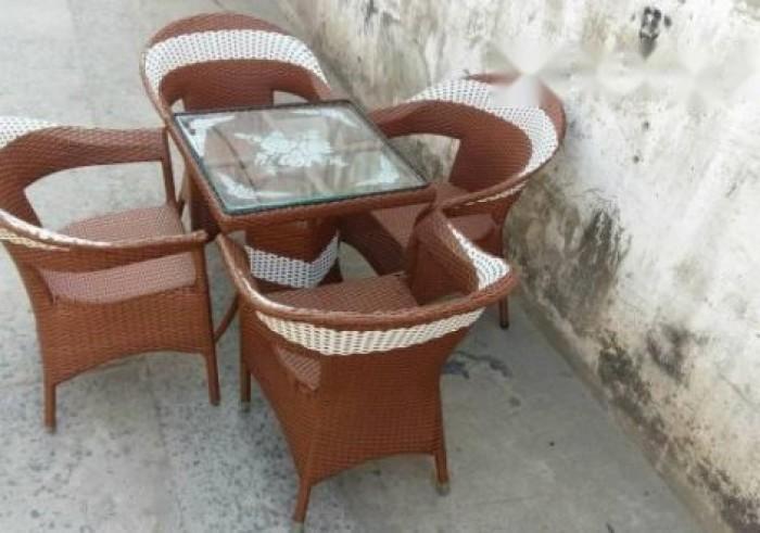 Sản xuất bàn ghế nhựa giả mây, bàn ghế sắt các loại, sản phẩm cty làm ra0