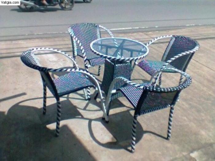 Chuyên sản xuất các loại bàn ghế cafe giá rẻ0