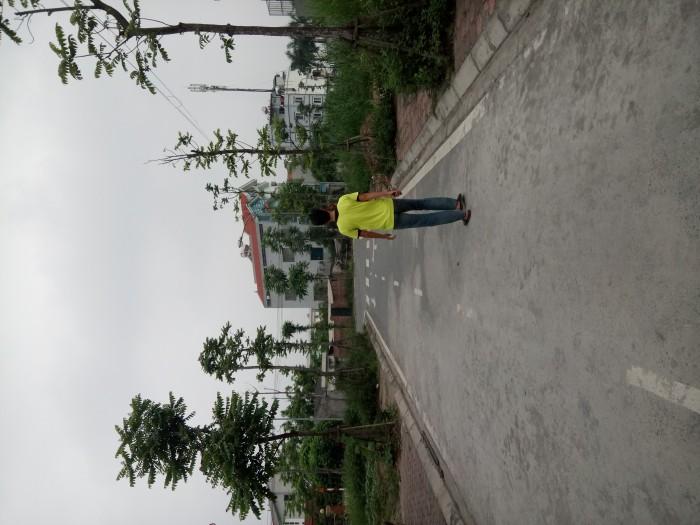 Bán gấp mảnh đất tại  khu tái định cư thạch bàn. DT 45m2, giá 42tr/m2 . Mt 4m