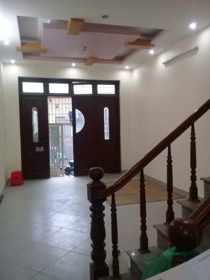 Bán nhà ở ngõ 86 Phố Nguyên Hồng,Ba Đình, nhà khung bê tông 5 tầng một tum, Diện tích 47/50m2,  giá 4,8 tỷ