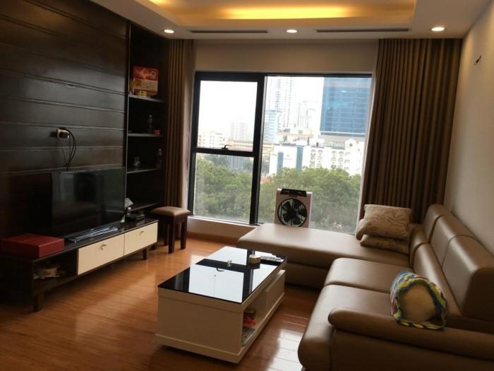 Cần bán căn hộ ngay kế công viên Phú Lâm