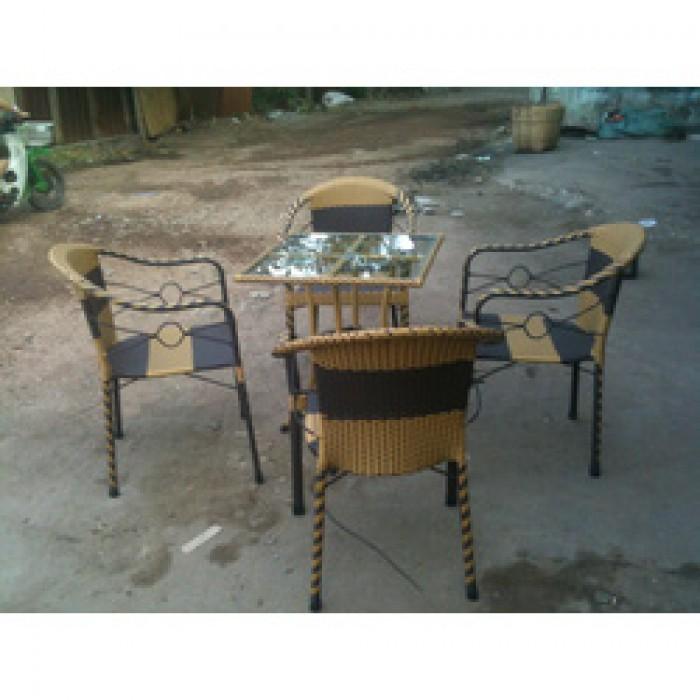 Chuyên sản xuất các loại bàn ghế nhựa giả mây cafe giá rẻ..1